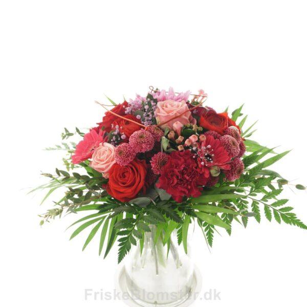 romantisk buket i lyserøde og røde